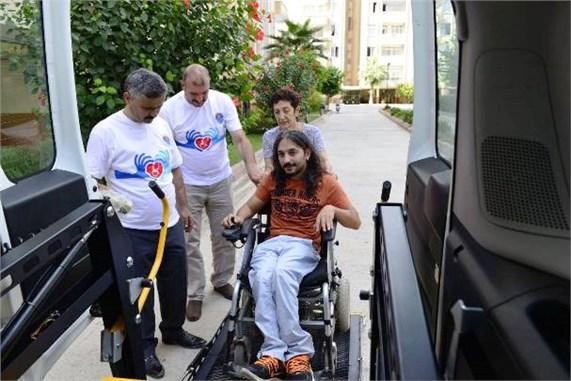 Mersin'de Engelli Transfer Aracı Engellilerin Hizmetinde