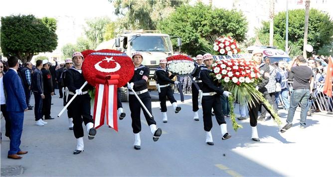 Şehit Jandarma Üsteğmen Emrah Şahin Mersin'de Son Yolculuğunda Uğurlandı