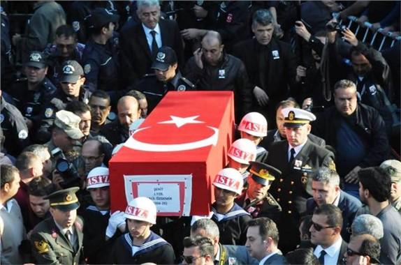 Şehit Yüzbaşı Halil Özdemir Son Yolculuğuna Uğurlandı