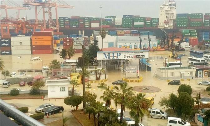 Sel Afeti Nedeniyle Limanda Operasyonlar Durmuştu