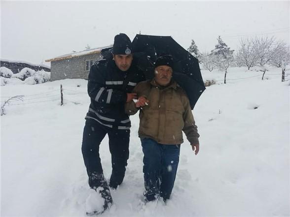Çamlıyayla'da Kar Mesaisi Gece Gündüz Devam Ediyor