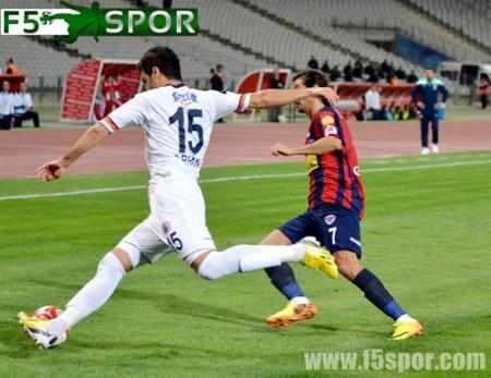 İstanbul Büyükşehir Belediyespor 2-3 Mersin İdmanyurdu Maç Resimleri 2013-2014