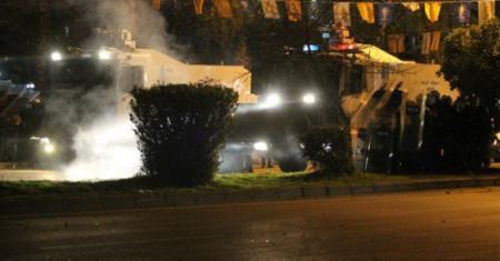 Mersin Pozcu'da Gösterciler İle Polis Arasında Çatışma
