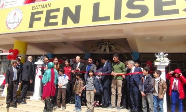 Maliye Bakanı Şimşek Batman'da Okul Açılış Törenine Katıldı