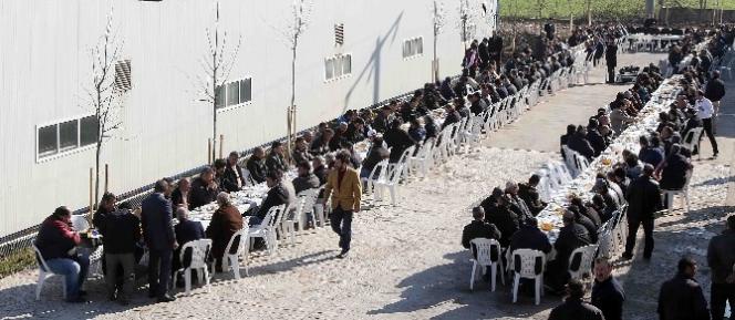 Başkan Karaosmanoğlu Karla Mücadele Eden Personeli Tebrik Etti