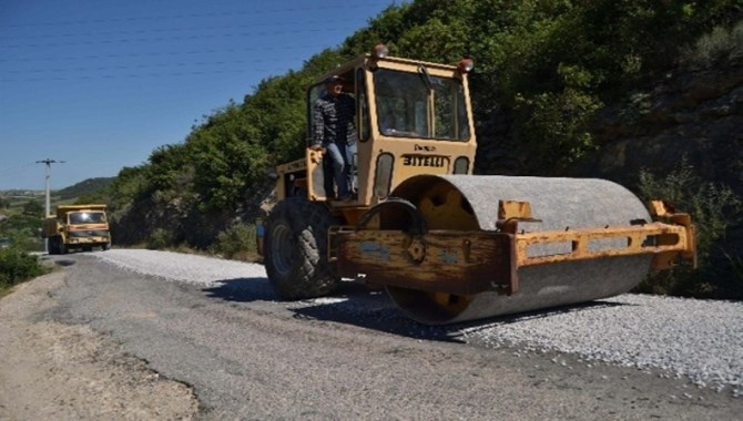 Büyükşehir Belediyesi'nin Yol Çalışmaları Devam Ediyor