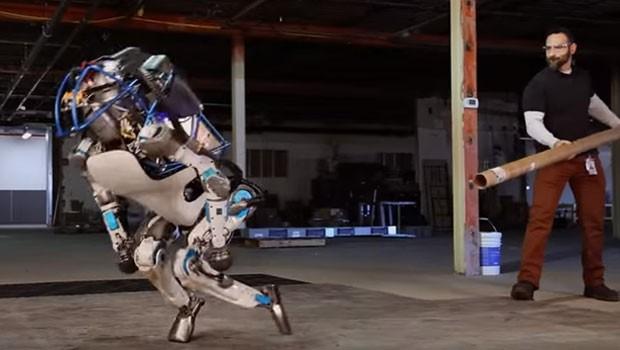 Google'dan Namaz Kılan Robot