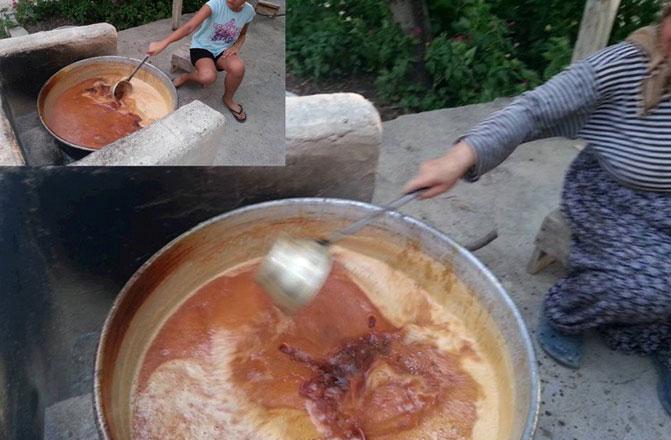 Mut'ta pekmez geleneği yaşatılmaya devam ediyor