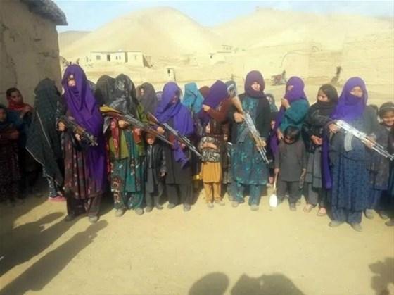 Kadınlar DAEŞ'e karşı silahlandı