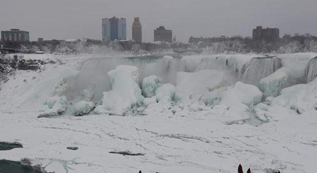 Aşırı Soğuktan Dolayı 130 Bin Ev Elektriksiz Kaldı 2 Kişi Hayatını Kaybetti