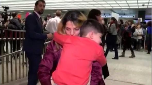 5 Yaşındaki Çocuğu Müslüman Olduğu İçin Kelepçeleyip Saatlerce Tuttular