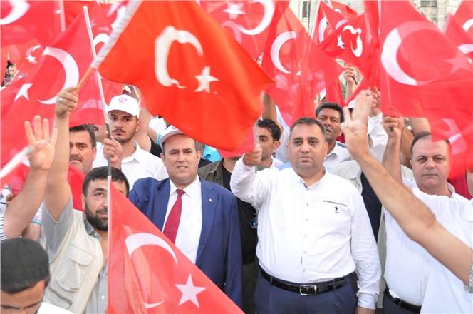 Tarsus Belediye Başkanı Şevket Can Demokrasi Nöbeti Tuttu