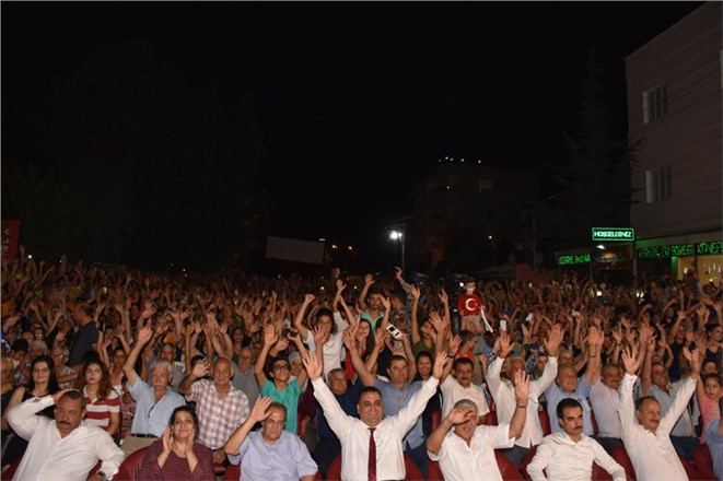 Binlerce Tarsus'lu Bülent Serttaş'la Çoştu