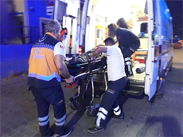Otomobil, Traktöre Çarptı: 1 Ölü, 2 Yaralı