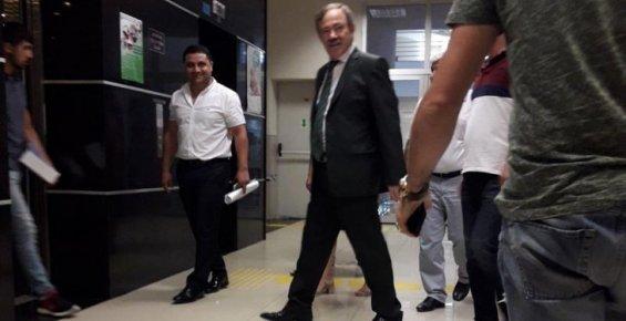 Akdeniz Belediyesi Eski Başkanı Fazıl Türk Teslim Oldu