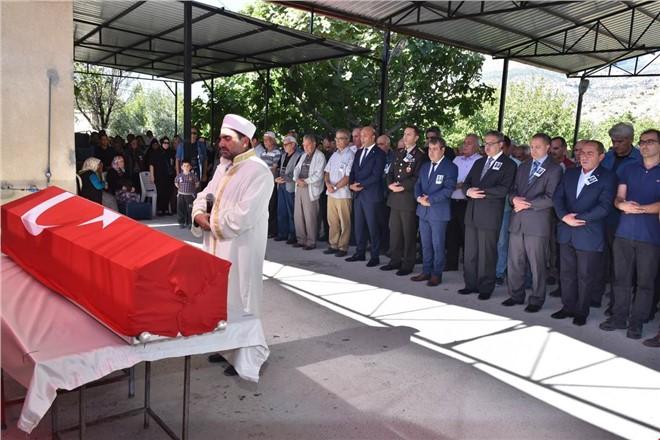 Vali Su, Emekli Vali-Müsteşar Durmuş Yalçın'ın Cenaze Törenine Katıldı