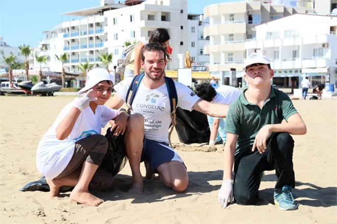 Mersin'de Duyarlı Öğrenciler Kolları Sıvadı