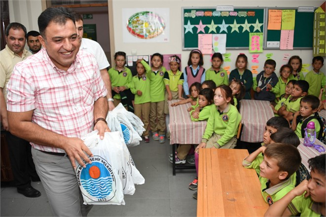 Mersin Büyükşehir Belediyesi Eğitim Desteği Dağları Aştı