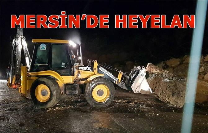 Mersin Çamlıyayla'da Heyelan Meydana Geldi! Büyük Kayalar Yolu Kapattı