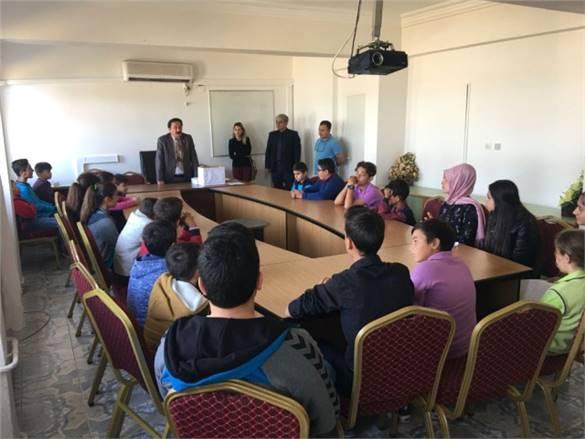 Bozyazı'da Öğrenciler Sandık Başına Gitti