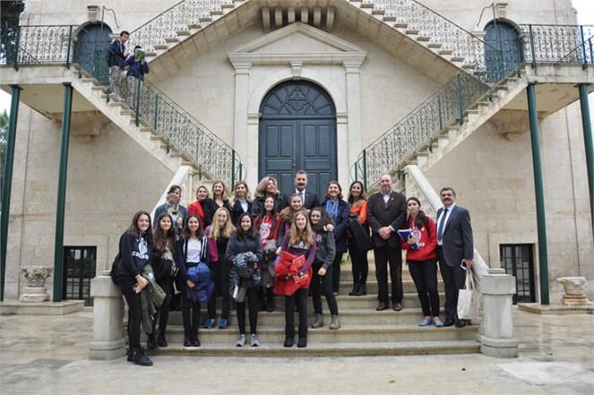 Başkan Tuna, Tarsus Amerikan Koleji'nde'rol Model' Konuğu Oldu