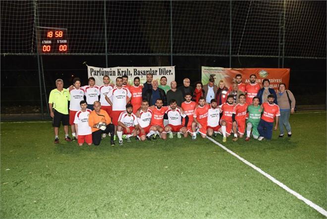 """Mersin'de İyi Ki Varsın Eren"""" Futbol Turnuvası Esnaflar Oldu"""