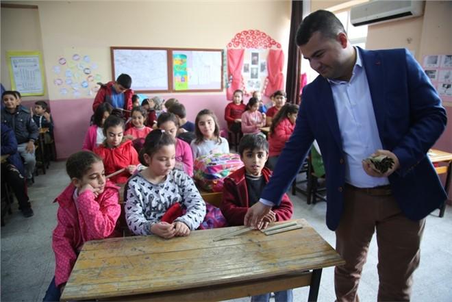 Erdemli Belediyesi İlkokul Öğrencilerine Geri Dönüşüm Semineri Verdi