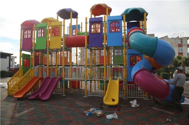 Erdemli Belediyesi Çocukları Sevindirmeye Devam Ediyor