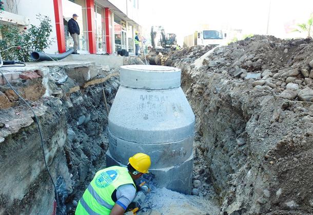 Erdemli İlçesinde Kanalizasyon Sorunu Çözüldü