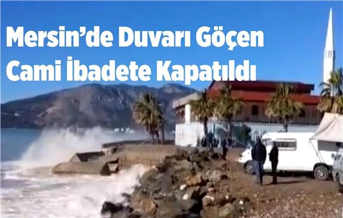 Mersin'de Cami Duvarı Çöktü