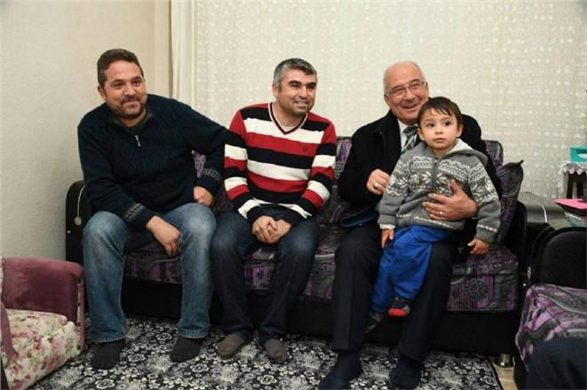 Vatandaştan Mersin Büyükşehir Belediye Başkanı Kocamaz'a Gönül Kahvesi