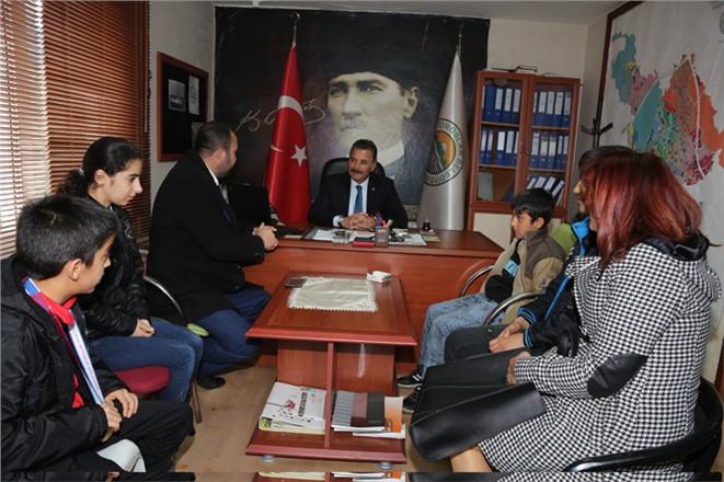 Başkan Tuna, Türkiye Kayak Şampiyonu Özel Sporcuları Ağırladı