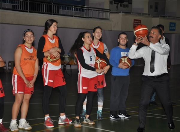 Toroslar'ın Kadın Basketbol Takımı,Mersin Şampiyonu Oldu