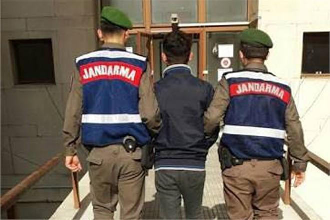 Jandarma 6 Ayrı Suçtan Aranan Şahısı Yakaladı