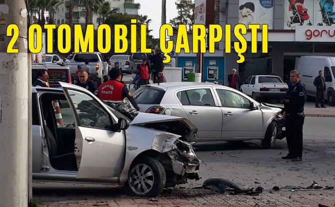 Sabah Saatlerinde Trafik Kazası, 2 Otomobil Çarpıştı