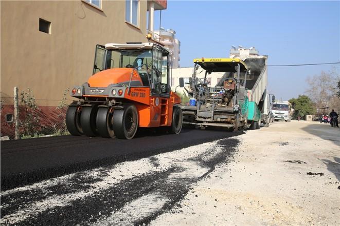 Erdemli Belediyesi Asfaltlanmayan Yer Bırakmıyor