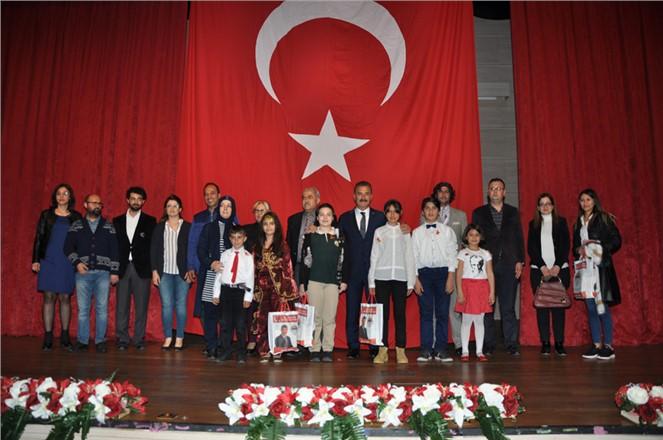 Toroslar'da Öğrenciler, İstiklal Marşı'nı En Güzel Okumak İçin Yarıştı