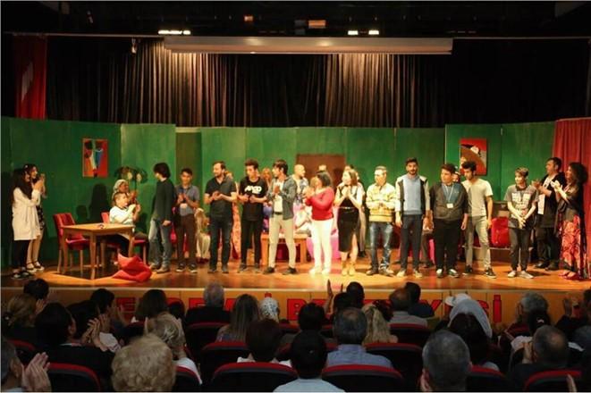 Erdemli Belediyesi'nden Dünya Tiyatro Gününde Özel Gösteri
