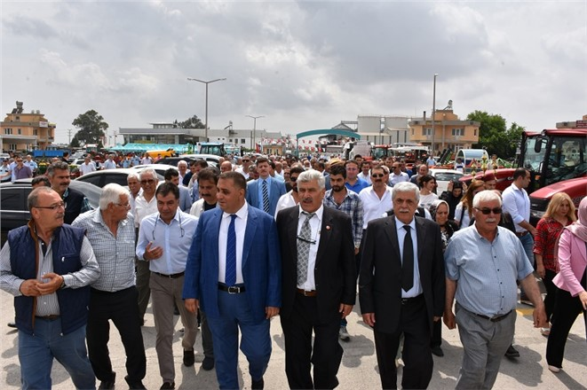 Tarsus'ta Açılan Pazar Bölgede Bir İlk Oldu