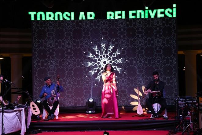 Dünyaca Ünlü Sanatçı Mersin'de Konser Verdi