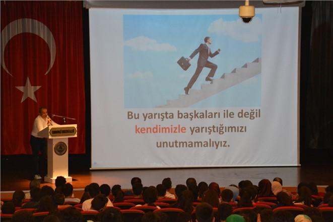 Kurs Merkezlerinde Motivasyon Toplantısı