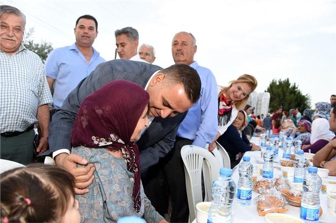 Tarsus Belediyesi'nin İftar Proğramlarına Yoğun İlgi