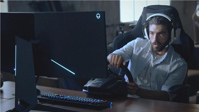 Alienware Klişelere Son Veriyor: