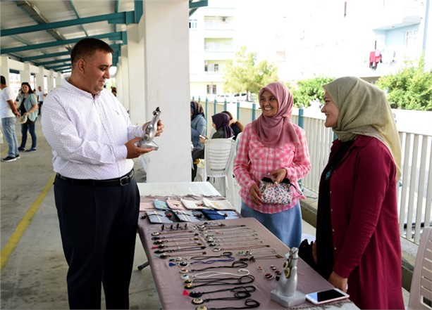 Bölgede İlk Olan Hanımeli Pazarı Tarsus'ta Açıldı