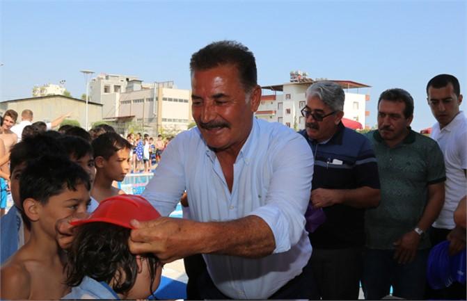 Toroslar'da Yüzme Kurslarının Startını Başkan Tuna Verdi