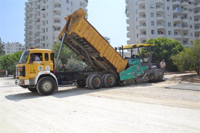 Arpaçbahşiş Mahallesi Sahil Yolları Sıcak Asfalt'la Donatılıyor