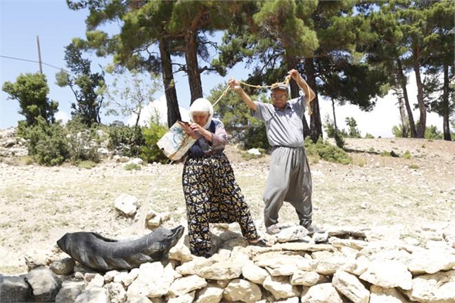 78 Yıl Sonra Gelen İçme Suyu Sevincini Gözyaşlarıyla Kutladılar