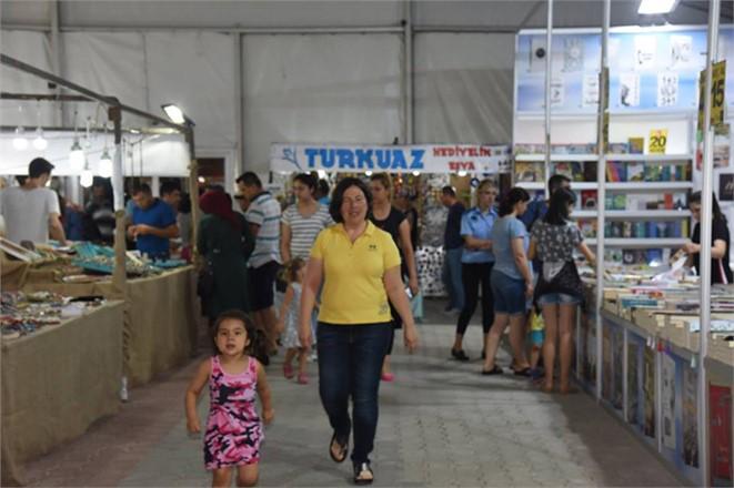 Mersin Anamur İlçesindeki Alışveriş Çadırı Kısa Sürede Binlerce Kişiyi Ağırladı