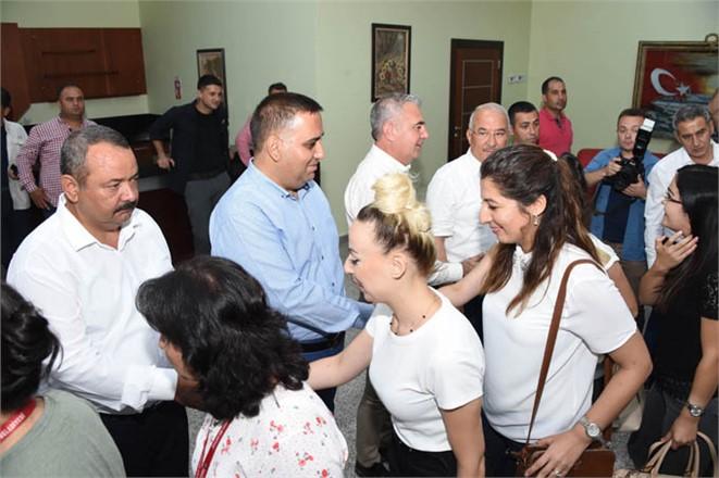 Tarsus Belediyesi'nde Bayramlaşma, Başkan Can ve Belediye Yöneticileri Personelle Bayramlaştı
