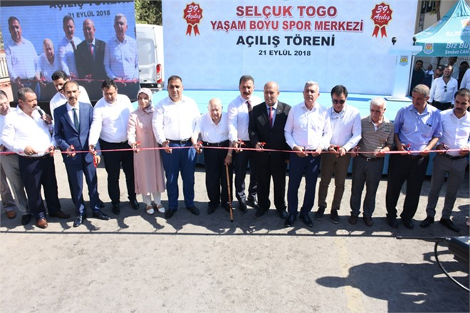 Tarsus'ta Selçuk Togo Yaşam Boyu Spor Merkezi Törenle Açıldı